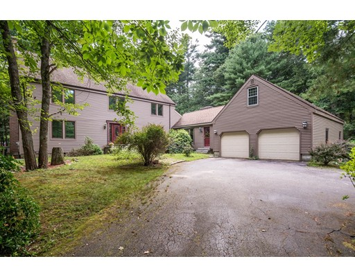 16 WILDWOOD Road, North Reading, MA